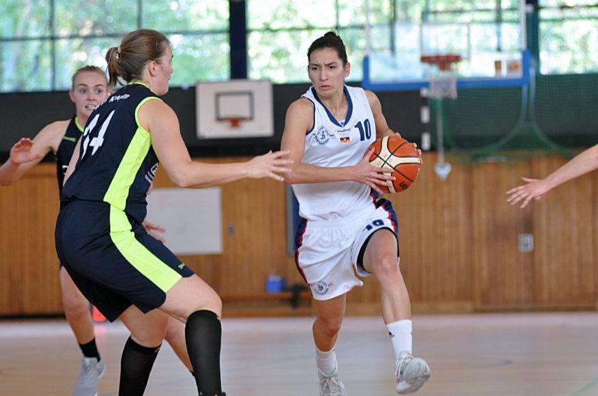 Knapper Sieg für Basketballerinnen am zweiten Spieltag
