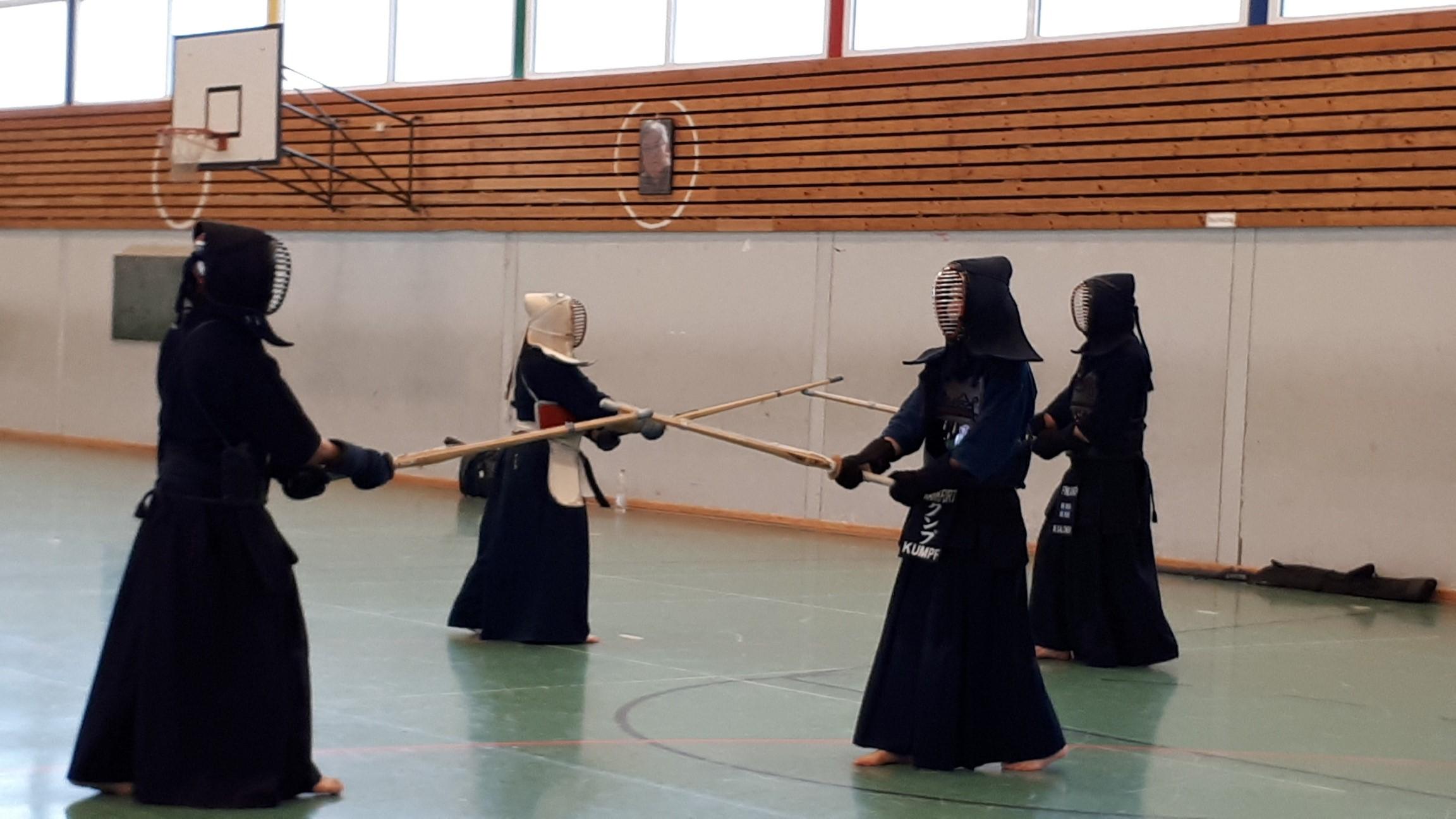 Hervorragend besuchter Ando-Sensei-Gedächtnis-Lehrgang