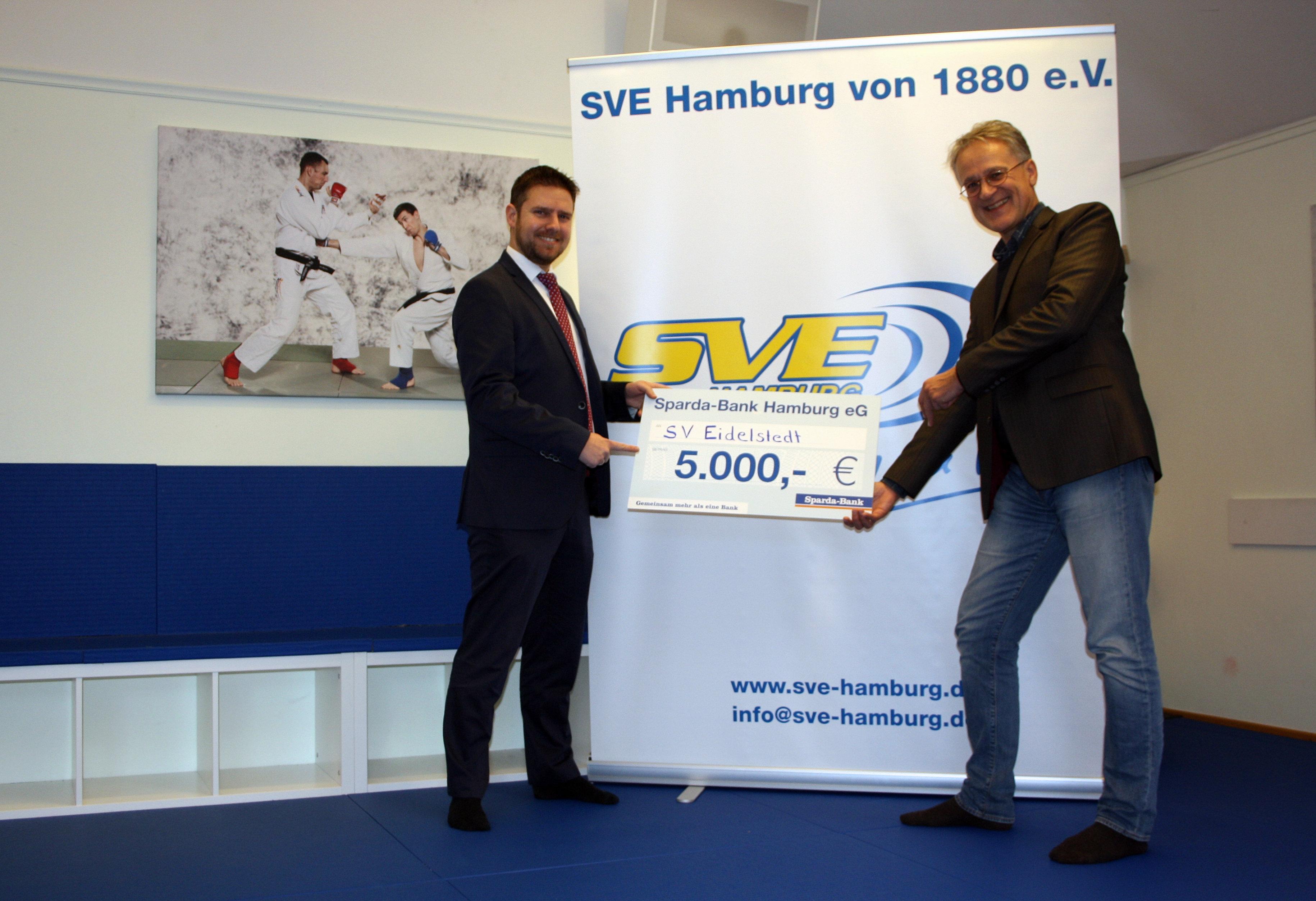 Sparda-Bank-Spende für die Kampfsportabteilung