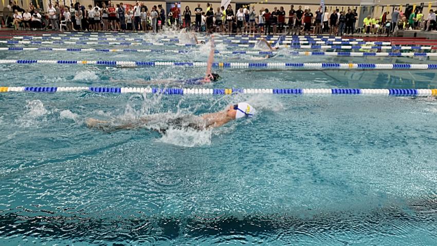 Schwimmerin Emily Schröder stellt drei SVE-Vereinsrekorde auf