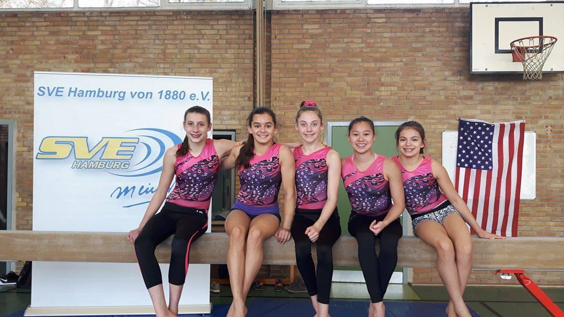 US-Turnerinnen bei der SVE-Partnerschule