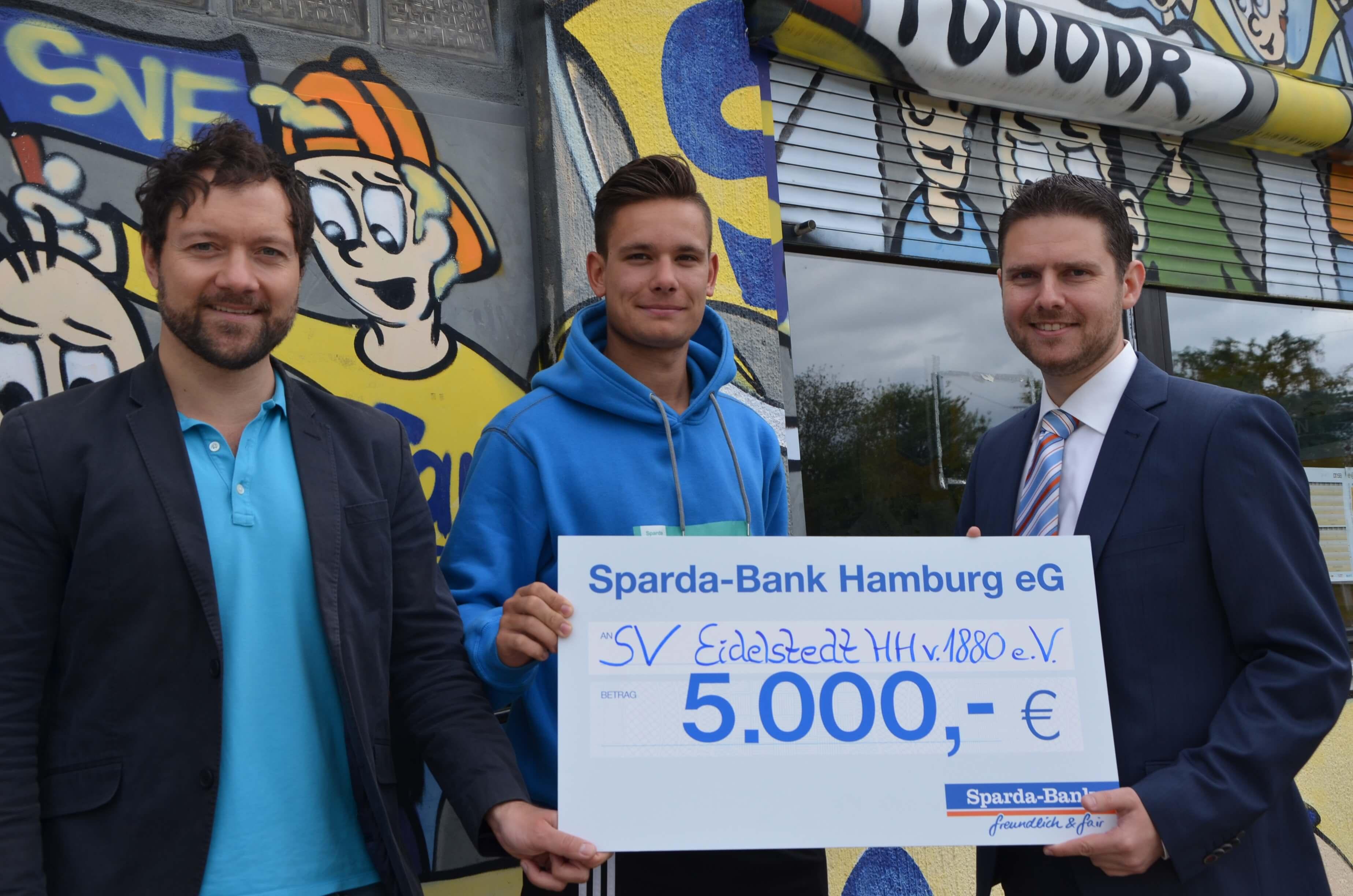 Sparda-Spende für die SVE-Ligafußballer