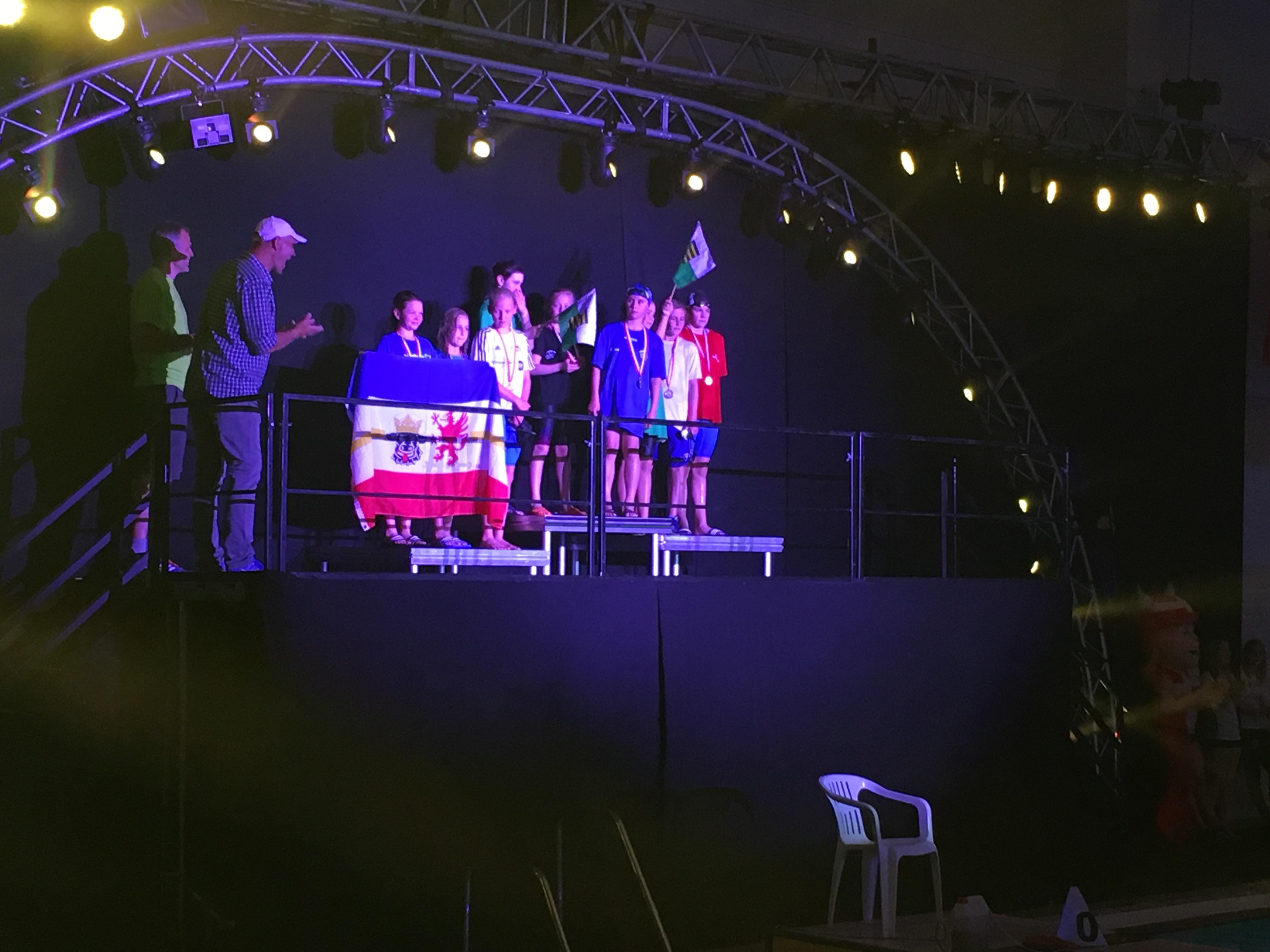 International Swim Cup & Deutsche Jahrgangsmeisterschaften: SVE Schwimmer weiter auf Erfolgskurs