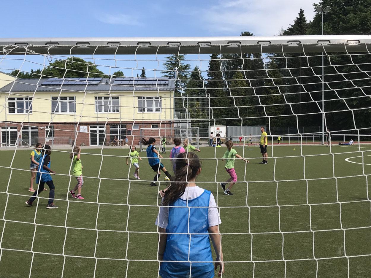Beste Stimmung beim Fußball-Mädchenturnier