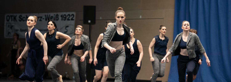 Le Nouveau Courage tanzt sich auf Rang drei