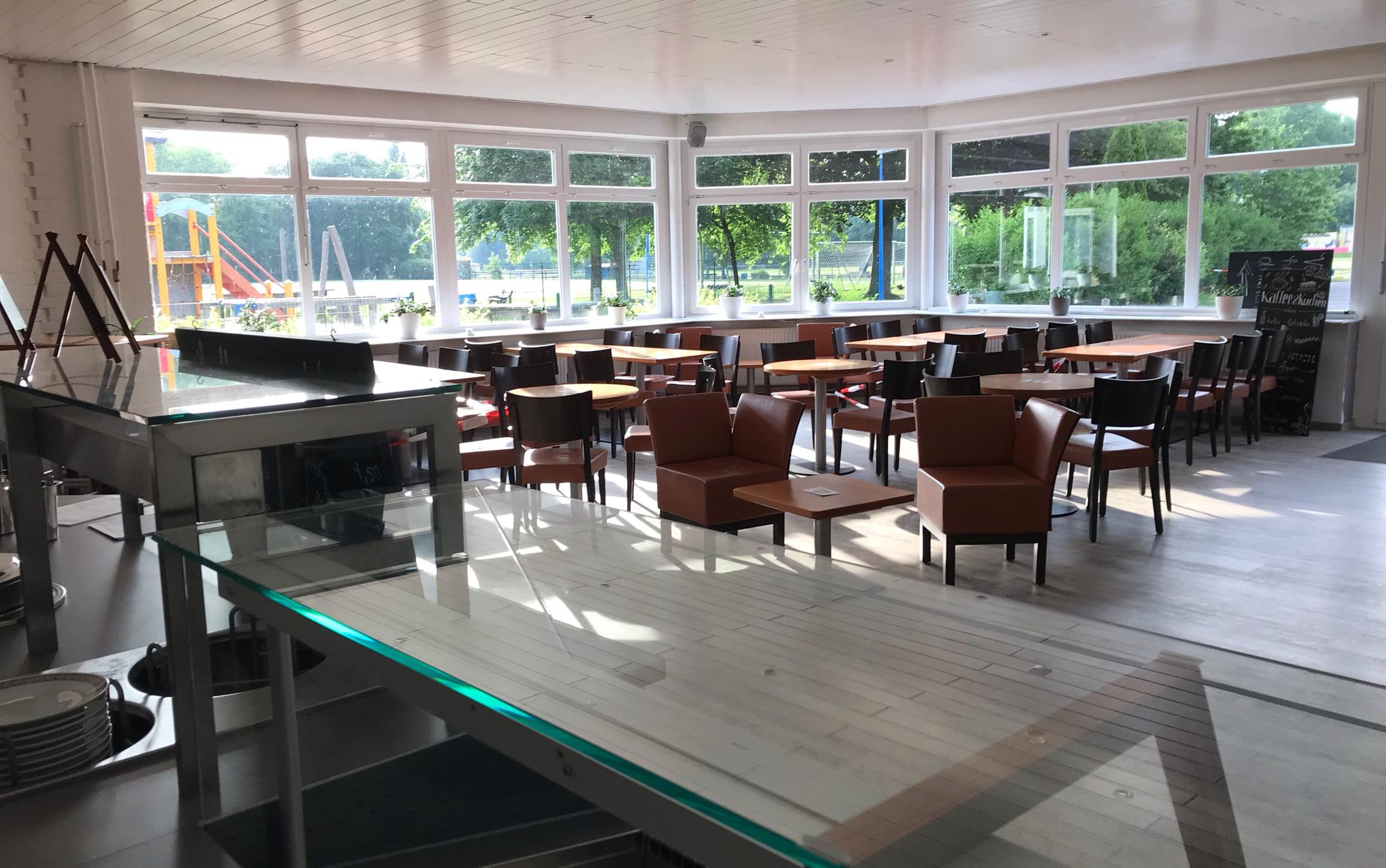 Mitarbeiter (m/w/d) für Studiocafé gesucht